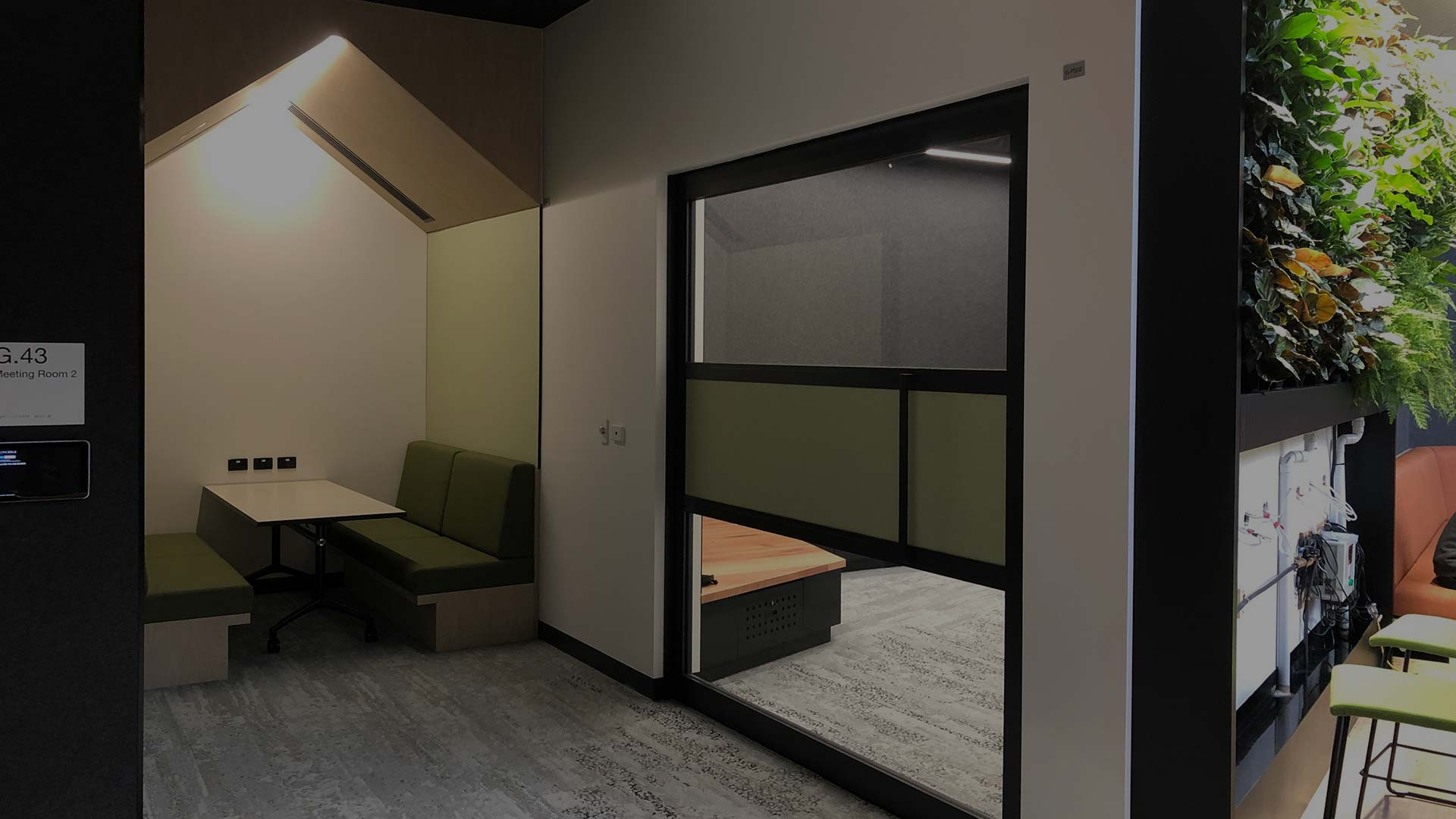 image of acoustic sliding door system with Rw32 rating